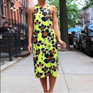 [WAYF] NEON FLORAL SHIFT DRESS